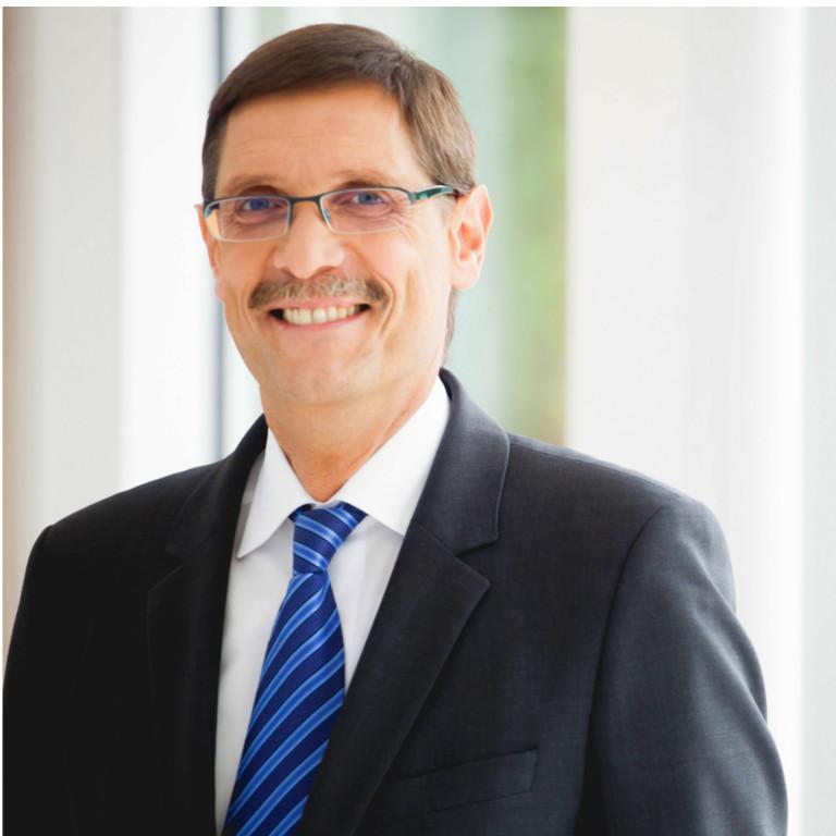 Dr. Elmar Kroth